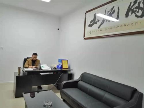 大发UU官方—大发快3平台四川泸州服务中心的负责人张廉骁