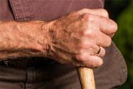 """农村养老金新规:这3类人的养老金或将""""停发"""",有你吗?"""