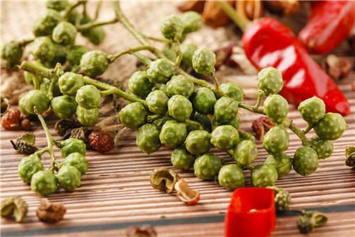 2019年青花椒价格最新行情如何?它和红花椒的区别在哪?