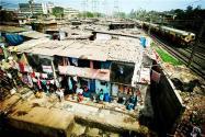 印度最大贫民窟首次报告新冠确诊病例!目前该国疫情情况如何?