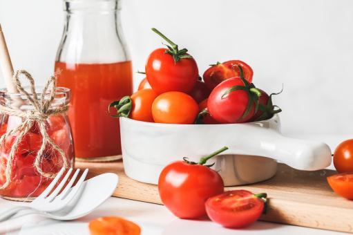 番茄(西红柿)一般什么时候开花结果?花期、挂果期怎么施肥?缺肥的症状及应对方法有哪些? - 土流网