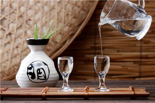 白酒代理好做吗?新手如何做白酒代理?代理白酒一年赚多少钱?