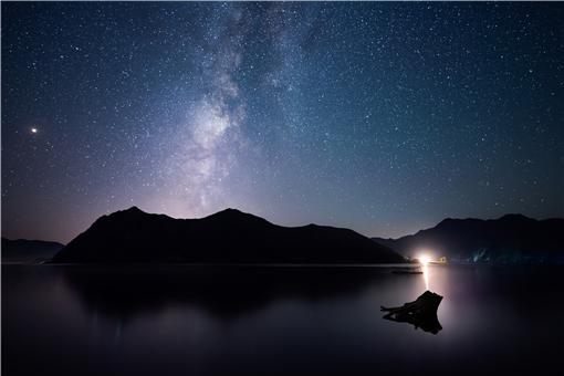 2021英仙座流星雨時間-攝圖網