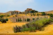 农村宅基地可以变现了, 最高每亩过百万,两类人将永久失去宅基地!