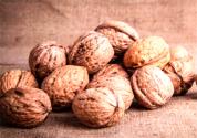 一天吃幾個核桃補腎壯陽?生吃好還是熟吃好?效果好嗎?