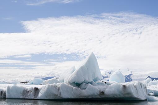 全球冰川湖面积不到30年增加51%-摄图网
